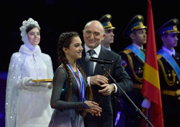 Спортивное великолепие. ВЧелябинске закончился Чемпионат РФ пофигурному катанию