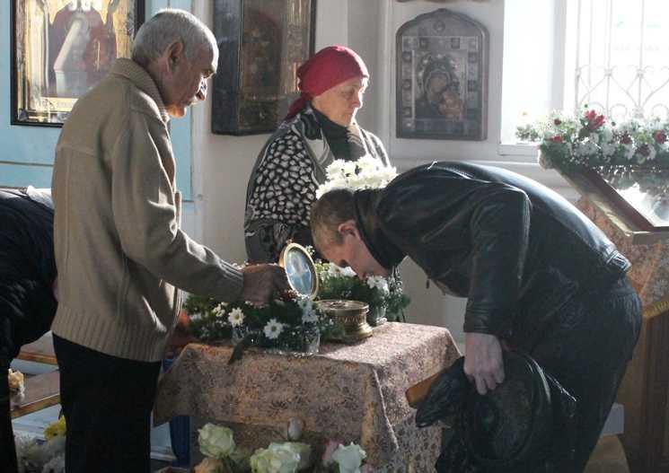ВРевду привезут частицы мощей православных святых