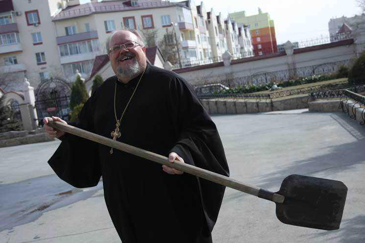 Епархия зовет челябинцев прибраться настройке кафедрального храма