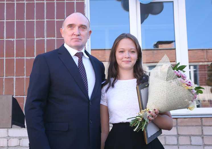 Дубровский принял участие в праздничной линейке наДень знаний