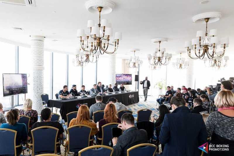 Русские боксеры одержали девять побед набольшом турнире вДень города
