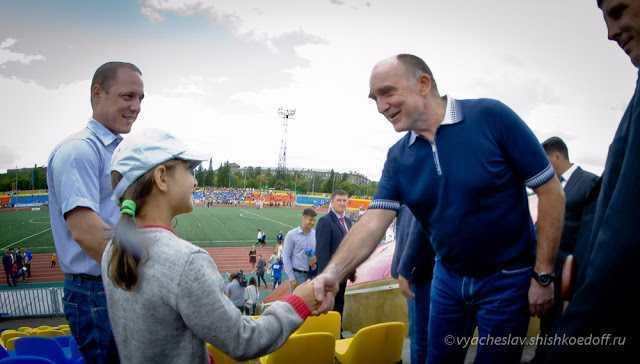 ВМагнитогорске открыли стадион, отремонтированный за100 млн руб.