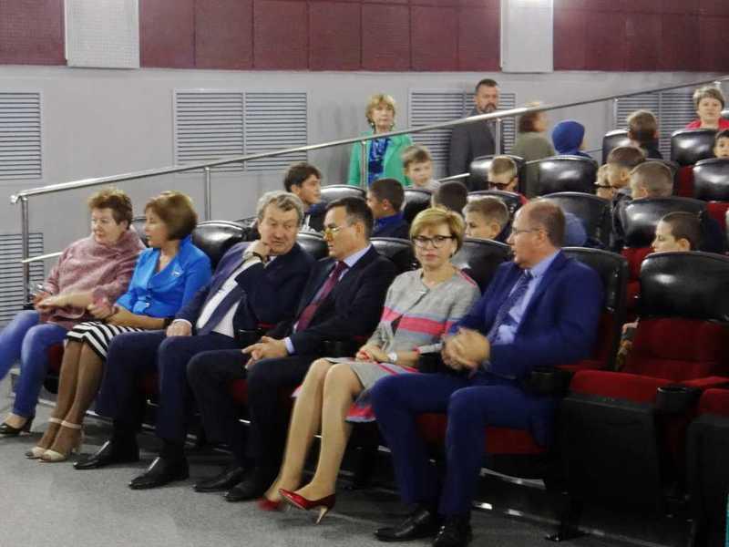 Впоселке Увельского района открылся кинозал свозможностью смотреть фильмы в3D